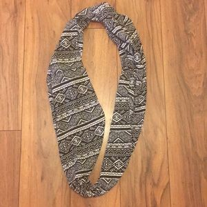 Accessories - Infinity black and white tribal scarf